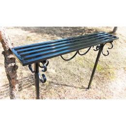 Скамейка металлическая с коваными элементами.